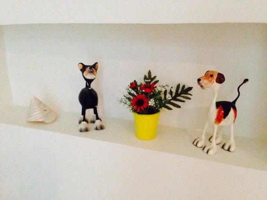 The Kiri Villas Resort: Cute doggy decorative items in the bathroom which made my stay pleasant because I am a dog lover