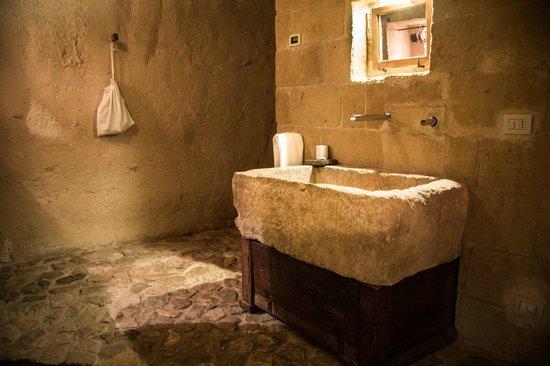 Sextantio Le Grotte della Civita: Sink