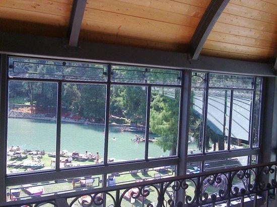 Parco Termale del Garda: Dal terzo piano con gli alberi e il laghetto