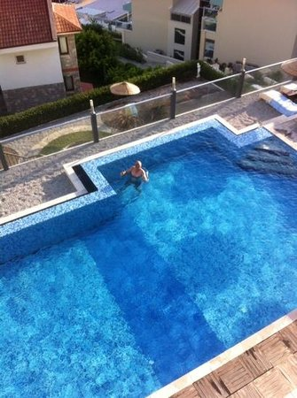 Nirvana Boutique Hotel: Halil relaxing!