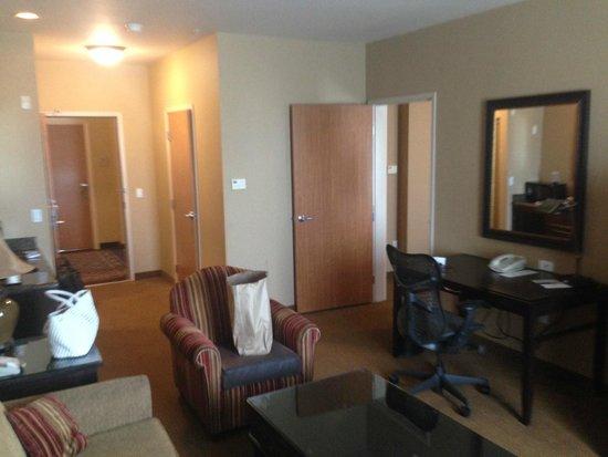 Hilton Garden Inn Salt Lake City Downtown: salotto suite