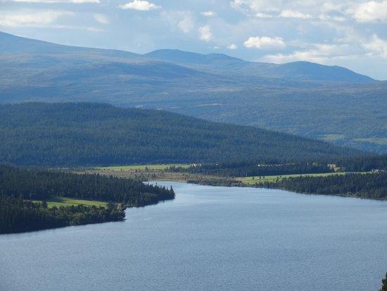 Wadahl Hogfjellshotel: Uitzicht over het meer