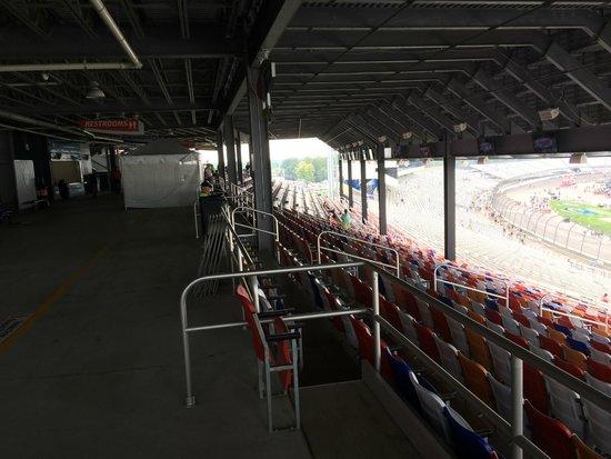 Richmond International Raceway : Commonwealth Mezzanine Section