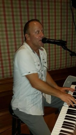 Jasmine Lounge: Dave Bootle - Excellent Entertainer