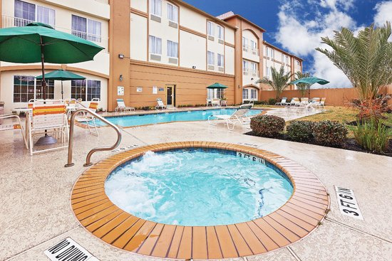 La Quinta Inn & Suites Houston Hobby Airport : Pool