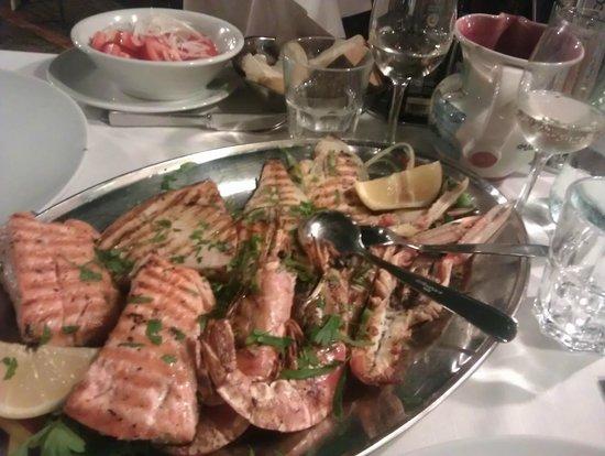 Lido Paina : Ассорти из морепродуктов на двоих