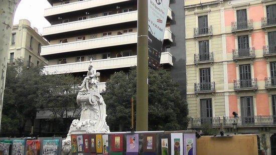 Sansi Diputacio Hotel: окрестности отеля...