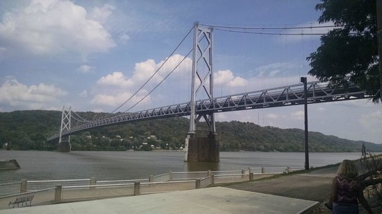 French Quarter Inn: The bridge across the Ohio River to Maysville,Ky