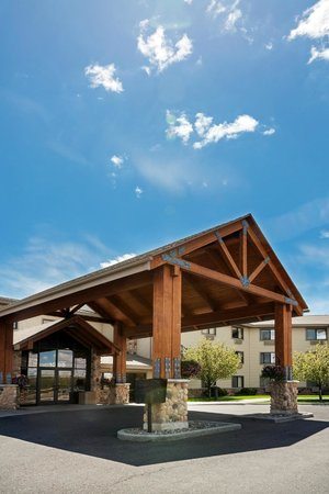 AmericInn Lodge & Suites Rexburg - BYU: exterior