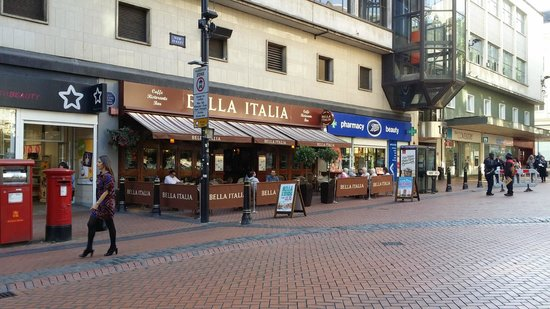 Bella Italia Birmingham: Outside Seating