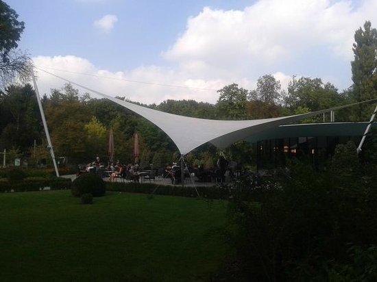 Vrijbroekhof met terras en speeltuin