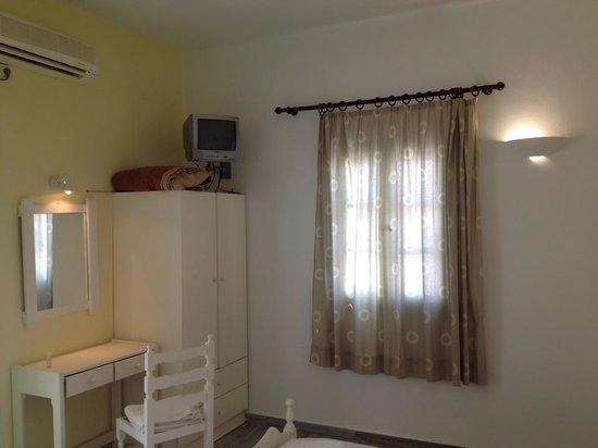 Ambeli Apartments: camera