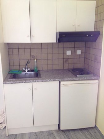 Ambeli Apartments: angolo cottura