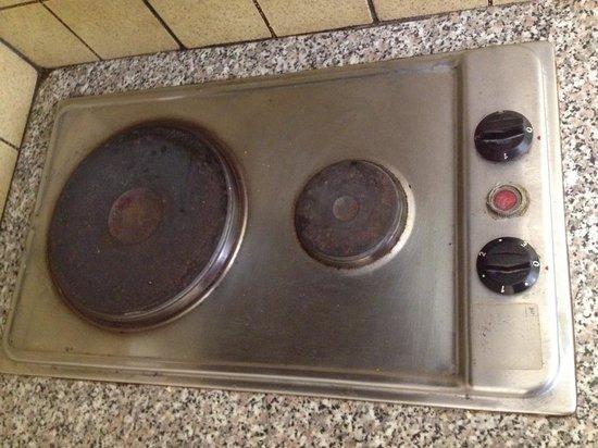Ambeli Apartments: dettaglio cucina
