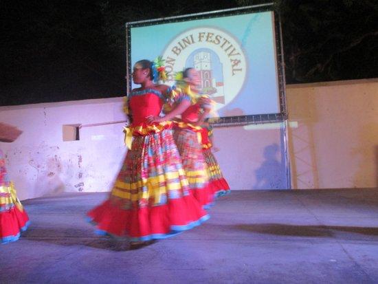 Fort Zoutman: dansgroep bon bini festival