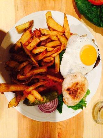 The Bird: Hamburger con extra uovo
