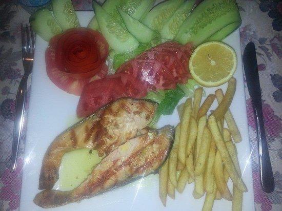 Ceylan Apart: Grilled Salmon yum yum