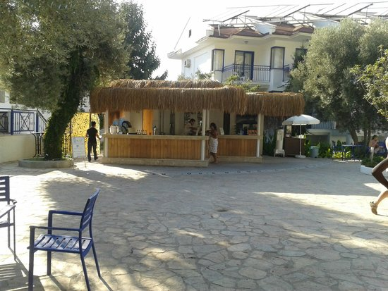 NOA Hotels Oludeniz Resort Hotel: Pool Bar