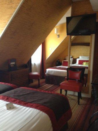 Hôtel Trianon Rive Gauche: Room 802