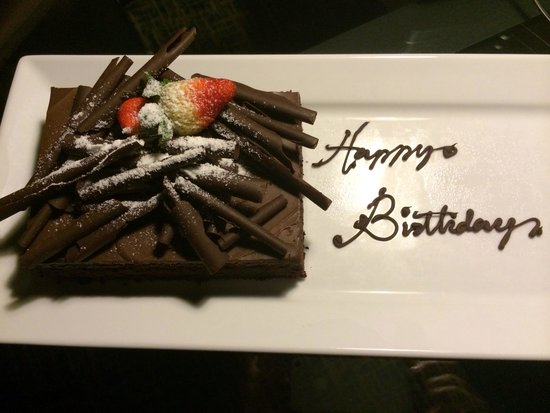 Renaissance Johor Bahru Hotel: Lovely surprise and what a tasty cake!