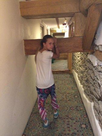 St Olav Hotel: Балка в коридоре