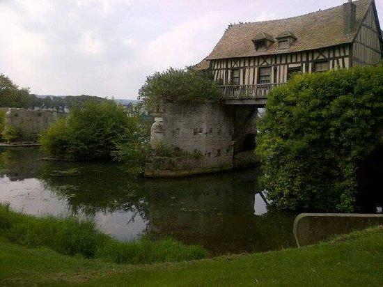 Le Vieux Moulin de Vernon : The Old Mill, Vernon