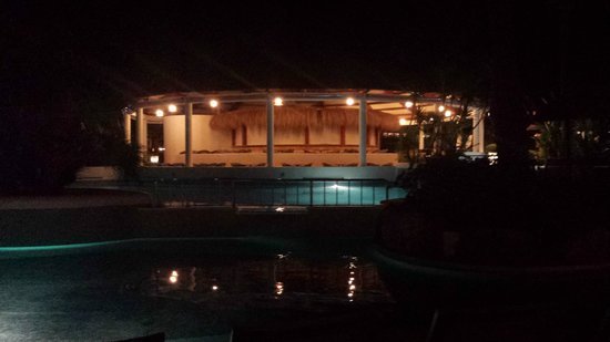 Prinsotel La Dorada: The pool area in the evening.