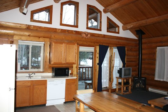 Wolf Ridge Resort: Cabin 24