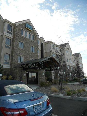 Staybridge Suites Reno Nevada: Exterior view of Staybridge Suites, Reno