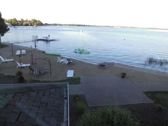 Oakwood Resort : nice little beach and swimming pier