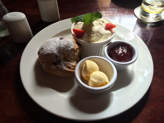 Leixlip House Hotel: Scone - fresh & nicely presented