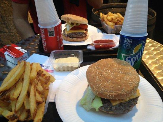 les tontons burgers : Repas