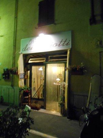 Osteria Dei Ghiotti: Exterior