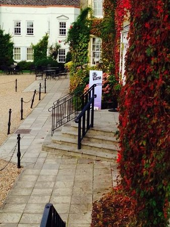 New House Country Hotel: the steps up to the venue