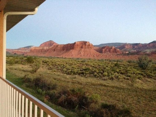 Capitol Reef Resort : View from our room in late afternoon