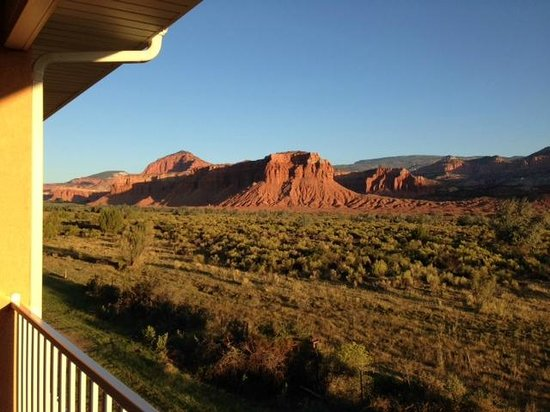 Capitol Reef Resort : View from our room in morning