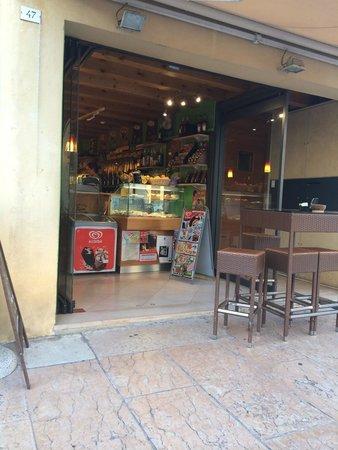 Kiribiri Caffe