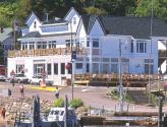 Pier Plaza Restaurant & Pickled Herring Lounge