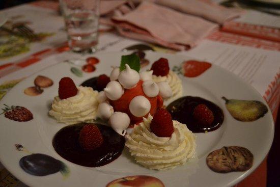 Bistrot L Ancienne Auberge 1900: un des délicieux desserts