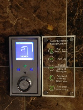 St. Ermin's Hotel, Autograph Collection: Excellent digital controls for shower and bath