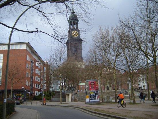 Hauptkirche St. Michaelis: a view from afar