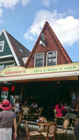Cafe Lennon's