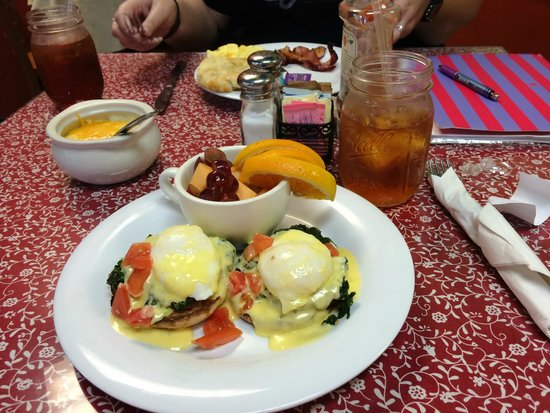 Red Rooster Cafe: Green eggs and ham