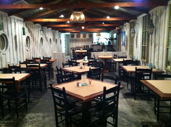 Old Salt: The dining room area