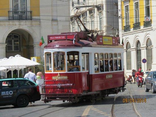 Rossio Square: Tramway