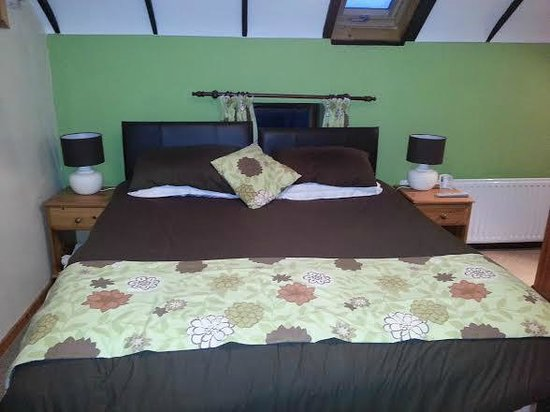 Fermanagh Self Catering: Rafters bedroom as a superking