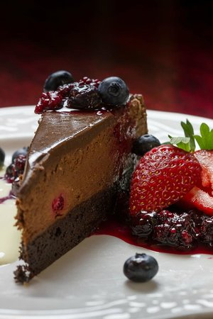 Waring House Restaurant & Inn: Chocolate Raspberry Truffle Torte