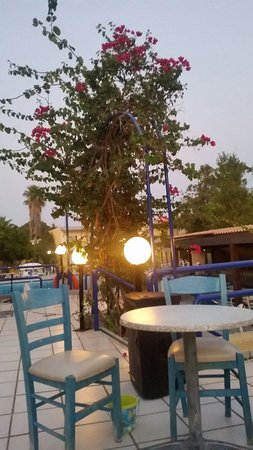Golden Odyssey Kolimbia: Seating area at night