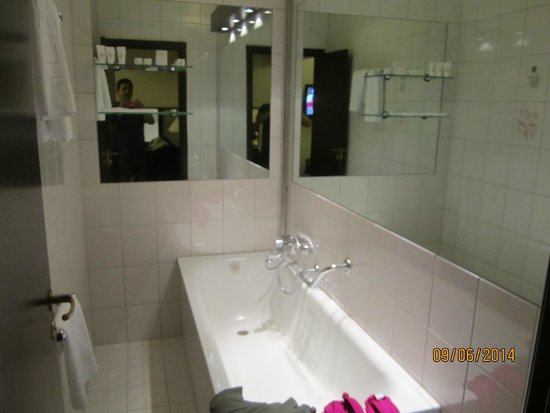 Hotel Holt : Bathroom in bedroom- the other has BIG walk in shower.