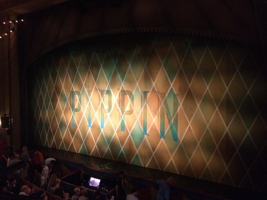 Pippin The Musical: Palco